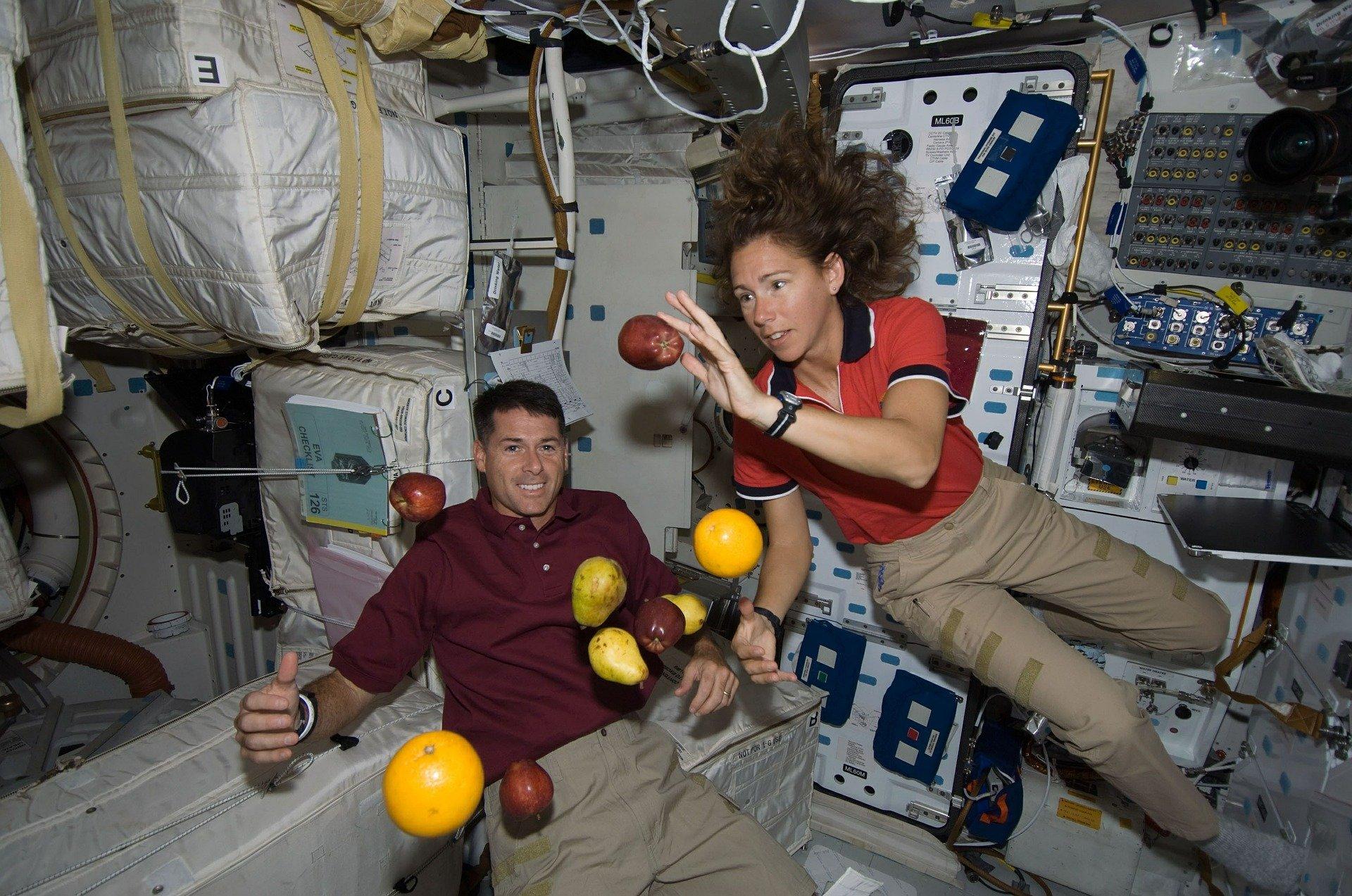 astronauts-625540_1920